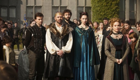 Promos, synopsis and photos for CW's Reign